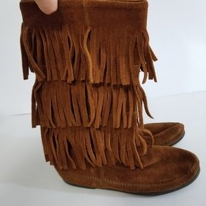 Minnetonka size 7 leather boots with fringes